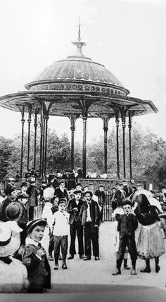 The Bandstand in Southwark Park Bermondsey to Rotherhithe South East London England in 1910 Victorian Life, Victorian London, Vintage London, Old London, London Pictures, London Photos, Old Pictures, Old Photos, East End London
