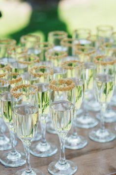 WOODEN WEDDING - Macarena Gea