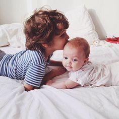 Grand frère petite soeur ~ Amour fraternel ~ Fraternité ~ Idée photo