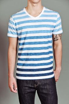 S/S Slub V-Neck T-Shirt :}