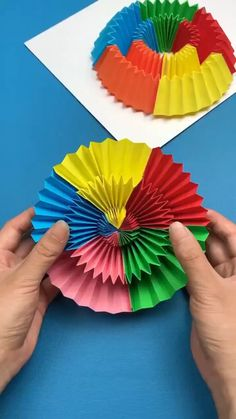 Cool Paper Crafts, Diy Crafts To Do, Paper Flowers Craft, Paper Crafts Origami, Diy Crafts Hacks, Creative Crafts, Handmade Crafts, Crafts For Kids, Handmade Flowers