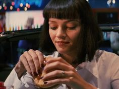 Uma Thurman in Pulp Fiction red nails Neutral Skin Tone, Cool Skin Tone, Good Skin, Deep Red Nails, Bright Red Nails, Uma Thurman Pulp Fiction, Hollaback Girl, Red Manicure, Mia Wallace
