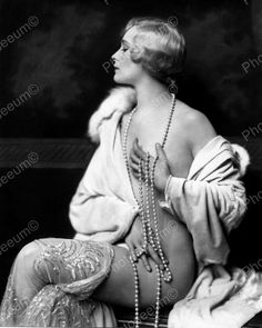 Click HERE to see my other auctions Muriel Finley Showgirl Vintage 8x10 Reprint Of Old Photo 1 Muriel Finley Showgirl Vintage 8x10 Reprint Of Old Photo 1 Alfred Cheney Johnston (April 8, 1885 - April