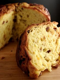 Panettone - the Italian Christmas cake. Try the recipe on our page http://circleme.com/items/panettone #panettone