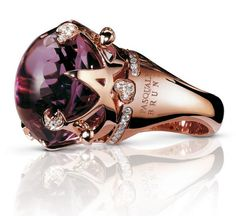 """In 1910 Anselmo jewelers        Many celebrities such as Jennifer Lopez, Milla Jovovich, Rihanna, Jennifer Flavin Mira Sorvino or not exempt her jewels and consider them """"creations with soul""""!      Each jewel Pasquale Bruni has its way, poetry, mystery and musicality that give life. They are works of art with immense soul, enriched with details and symbols that allow glimpses of history, magical works that bring together beauty and feeling."""