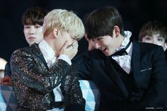 Jimin and V of BTS at the Melon Music Awards (191116) || Friendship goals, making each other laugh and they got each other's backs