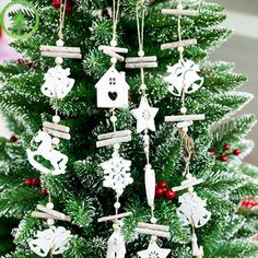Imported From Abroad 2pcs 1 Pcs Christmas Painted Decorative Pendant Christmas Tree Innovative Skates Ski Shoes Pendant Festival Home Decorations Diamond