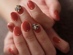 ☆赤ベースのビジューネイル☆ の画像|パリのネイルサロン Bijoux nails Paris