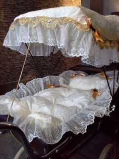 Silvercross dolls pram with handmade bedding set and sun canopy. Brown with cream bedding and & Image result for vintage pram sun canopy | Prams u0026 Pushchairs ...