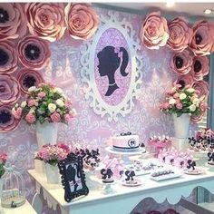 #mulpix Así iniciamos Febrero!! Celebrando el cumpleaños de Isabella y Adriana !! Especialmente para ellas diseñamos esta mesa principal de Barbie llena lindos detalles !! La Torta y Dulcitos a cargo de @mgbakery locacion @pucherospa amigas para nuestro equipo un placer trabajar juntas una vez más!!! #mesaprincipal #somosdetallesoriana #party #fiesta #montaje #cumpleaños #detalles #detallesoriana #mesadedulces #candybar #dulces #torta #maracay #venezuela #barbie