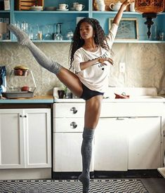 You can #dance anywhere, even in the #kitchen! I think this is #NardiaBoodoo #Dancer #Ballerina #BlackGirlMagic #GirlsRock