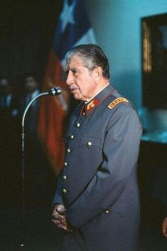 El General Pinochet Ugarte. South America Travel, World History, Salvador, American History, Diana, Captain Hat, People, Photography, Saints
