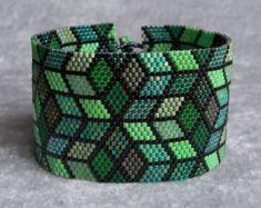 Green Mosaic Bracelet Pattern - Peyote Pattern