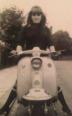 made in the sixties: Photo Piaggio Scooter, Scooter Bike, Motor Scooters, Vespa Scooters, Pierre Cardin, Italian Scooter, Retro Scooter, Skinhead Girl, Mod Girl