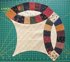 Taking the fear out of piecing Double Wedding Ring blocks Yesterday on QUILTsocial I used the Brother Dreamweaver XE to assemble the blocks that… Quilting Tips, Quilting Tutorials, Quilting Designs, Quilting Projects, Double Wedding Rings, Diamond Wedding Rings, Double Wedding Ring Quilts, Gold Wedding, Wedding Quilts