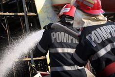 Casa de Pensii din Buzau a fost cuprinsa de flacari. Functionarii au fost evacuati de urgenta - http://stireaexacta.ro/casa-de-pensii-din-buzau-a-fost-cuprinsa-de-flacari-functionarii-au-fost-evacuati-de-urgenta/