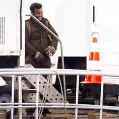We all understand that Harry has a reason to be mad when the paps take pictures of him during the shoot of the film scenes, but in the other side it makes me/ us more excited to see the movie !!!!