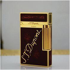 Bật lửa S.T.Dupont sơn mài đen nhũ đỏ viền vàng khắc logo S.T.Dupont Mã SP: BLD 15