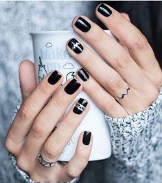 Vernis noir avec motifs brillants