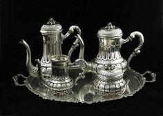 Monumental aparelho de chá e café em prata de lei teor 800, marcas para cidade de Palermo, Sicília,