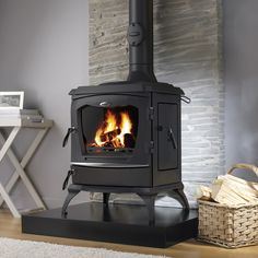 The Reginald stove is our largest dedicated wood burning stove with nominal outputs of 11.8kW. Designed specifically to burn wood, the Reginald comes with a dedicated grate and side loading feature to burn larger sections of wood.