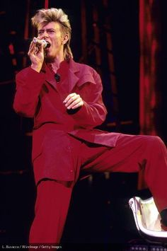 ボウイは、偉大な革新者で、ロックをアートに引き上げたアーティストの一人だった。RIP David Bowie