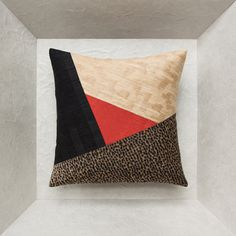 Applique Cushions, Best Pillow, Quilted Pillow, Deco Design, Pillow Talk, Painting Patterns, Throw Pillows, Embroidery, Quilts