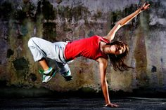 """Street Dance takes any form of popular music from pop to """"hip hop"""" and choreographs routines to the beats. Street Dance, Yoga Dance, Dance Art, Dance Like No One Is Watching, Just Dance, Miss Teen Usa, Breakdance, Dance Tops, Dance Pictures"""