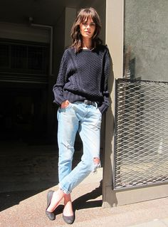 textured sweater, distressed boyfriend jeans and flats #style #fashion #streetstyle