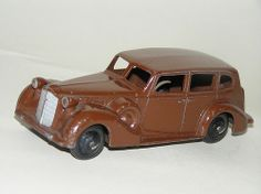 Dinky Toys - late 1930s Packard Super-8 Touring Sedan (#39A)
