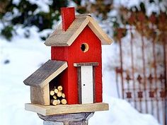 cozy birdhouse...