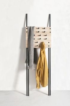 a coat rack that won't wreck walls - ideal for apartment storage minimal & cool! grundwiebodendesign