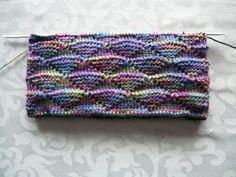 No, that's (Tunisian) Crochet… athough it looks like knitted. Nein, das ist (tunesisch) gehäkelt… obwohl es wie gestrickt aussieht. cat69