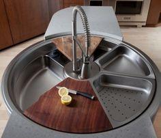 Pia otimiza espaço e serve também como tábua para corte e escorredor