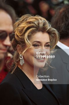Cannes 99: Stairs Of Film ' Le Temps...Retrouve' In Cannes, France In May, 1999-Catherine Deneuve. (Photo by Pool BENAINOUS/DUCLOS/Gamma-Rapho via Getty Images)