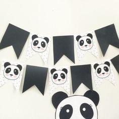 ideas for baby shower ideas for girs diy games first birthdays Panda Themed Party, Panda Birthday Party, Panda Party, Bear Party, Bear Birthday, First Birthday Parties, First Birthdays, Fete Emma, Bolo Panda