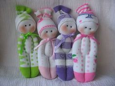 Muñecos hecho con calcetines/Dolls made from socks