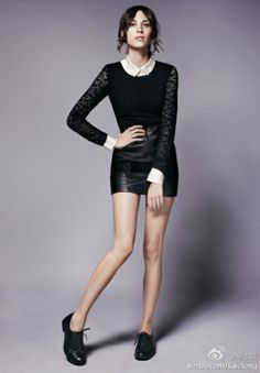 can never have too much Alexa Chung. Daily Alexa Chung, Alexa Chung Style, Black Leather Skirts, Leather And Lace, Leather Shorts, Girl Fashion, Fashion Looks, Ladies Fashion, Black Brogues