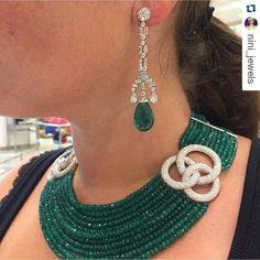When luxury Jewelry Met Design Furniture Boca do Lobo At Bulgari Hotel Emerald Earrings, Emerald Jewelry, Pearl Jewelry, Indian Jewelry, Beaded Jewelry, Jewelry Necklaces, Beaded Necklace, Diamond Necklaces, Jewelry Sets
