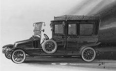 O carro que pertenceu a William Carter Em 1912, quando o Titanic embarcou, o milionário William Carter (que embarcou com sua esposa Lucile Carter e seu filho Billy Carter) comprou um modelo novo da Renault, o Towncar 1912, o qual embarcou junto com o navio.