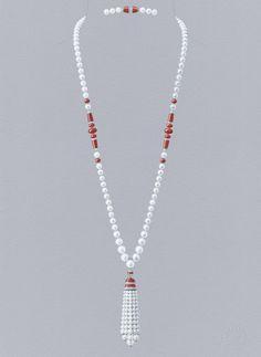 Dahlak long necklace: Gouaché © Van Cleef &Arpels
