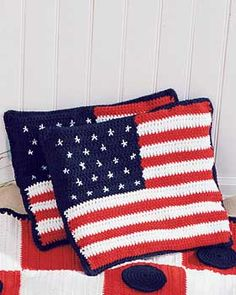 Lily: Download Free Pattern Details - Sugar 'n Cream - Stars and Stripes Cushions (cr)