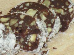 Suroviny: 30 g lieskovce, 30 g mandle, 30 g vlašské orechy, 100 ml panenského kokosového oleja, 100 ml kakaového masla, 100 g nepraženého kakaa, 50 ml agáve sirup,( javorový sirup, datlový sirup ), štipka soli Na obalenie: kokosová múka, strúhaný kokos, raw karob alebo xylitol Postup: Najskôr si koksového oleja, kakaového masla, nepraženého kakaa a …