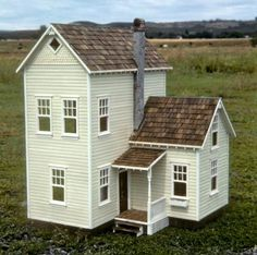 Miniature farm house in 1/12 scale
