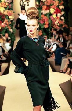 Yves Saint Laurent - Haute Couture - Fall / Winter 1999 | Esther Cañadas