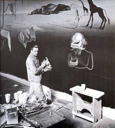 Dalí's Dream of Venus (1939 World's Fair, Flushing, NY); Dalí at Work
