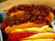 Devilish Chili-Cheese Dogs Recipe : Rachael Ray : Food Network - FoodNetwork.com