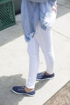 Pin for Later: 24 Fashion Hacks Every Woman Needs to Know Remove Dirt on Cloth Shoes Apply a mixture of baking soda and detergent to a toothbrush, and scrub.