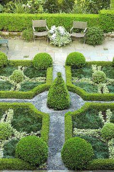 Garden Pictures Formal garden-love this!Formal garden-love this!
