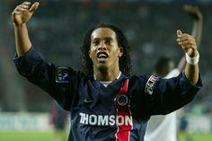 """Benachour : """"Seul Ronaldinho dribblait comme Messi !"""" - https://www.le-onze-parisien.fr/benachour-seul-ronaldinho-dribblait-comme-messi/"""